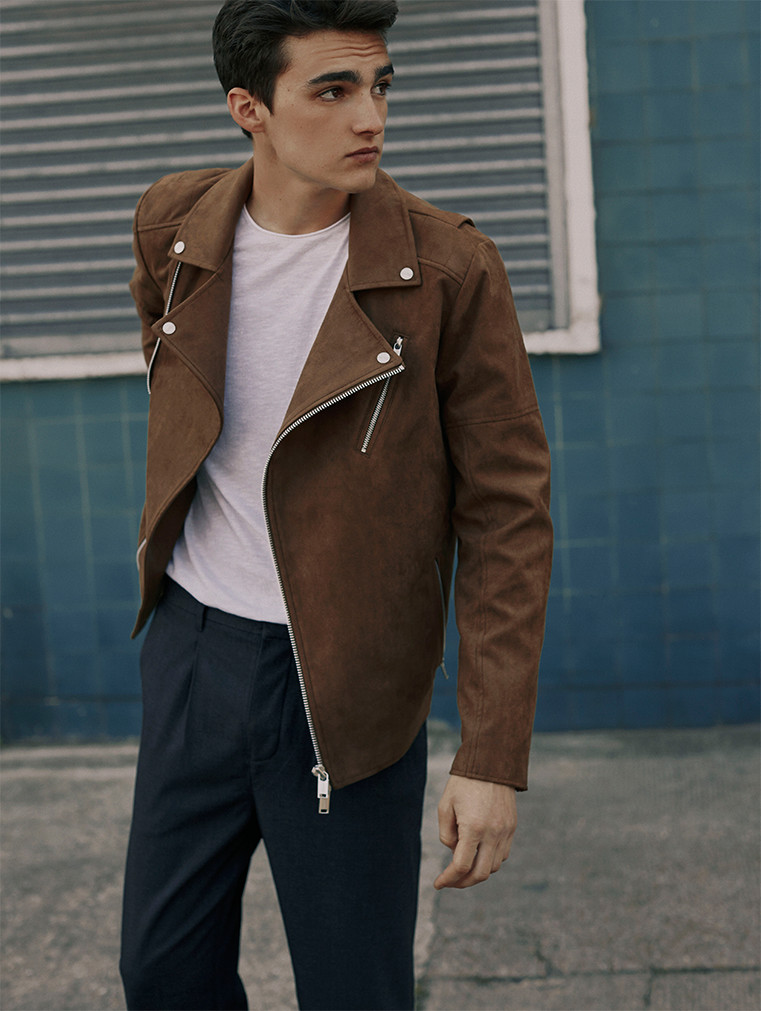 For Pull & Bear we currently have 2 coupons and 43 deals. Our users can save with our coupons on average about $Todays best offer is 15% off for Students at Pull and astraex.gq you can't find a coupon or a deal for you product then sign up for alerts and you will get updates on every new coupon added for Pull & Bear.