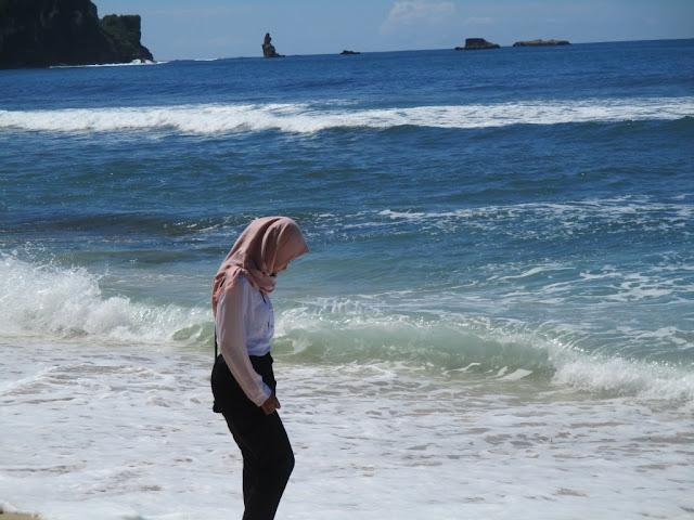 laut pantai nampu
