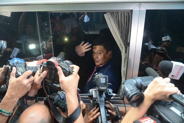 Sen. Bong Revilla Umaasa ding Maging Malaya Rin  Kagaya ng Kanyang Kaibigang si Sen. Jinggoy Estrada