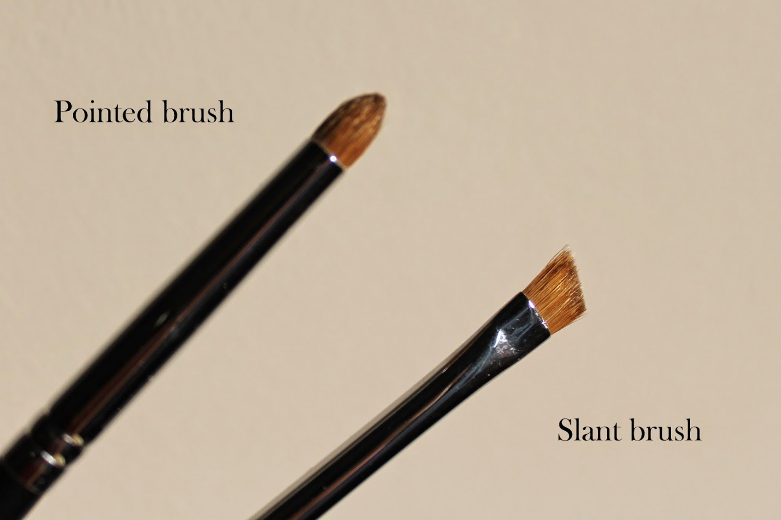 pointed makeup brush slanted eye makeup brush