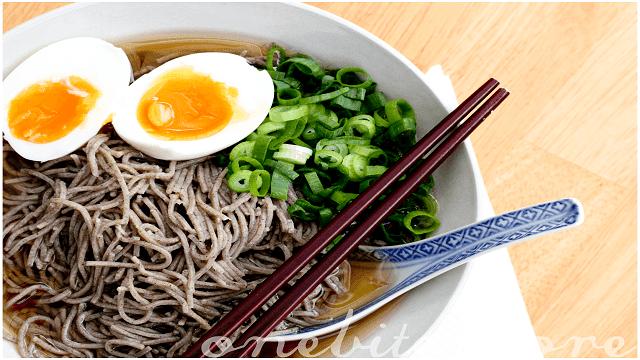Soba bisa dikatakan sebagai mie rebus khas Jepang