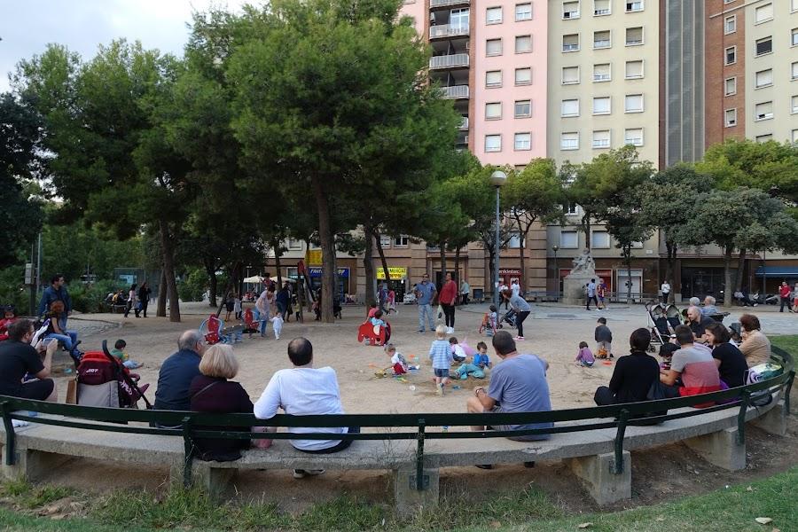 サンツ広場(Plaça de Sants)