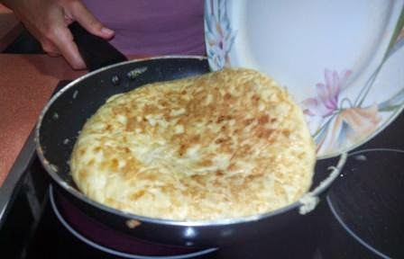 Como preparar tortilla de patatas típica España. Paso a paso. Es fácil