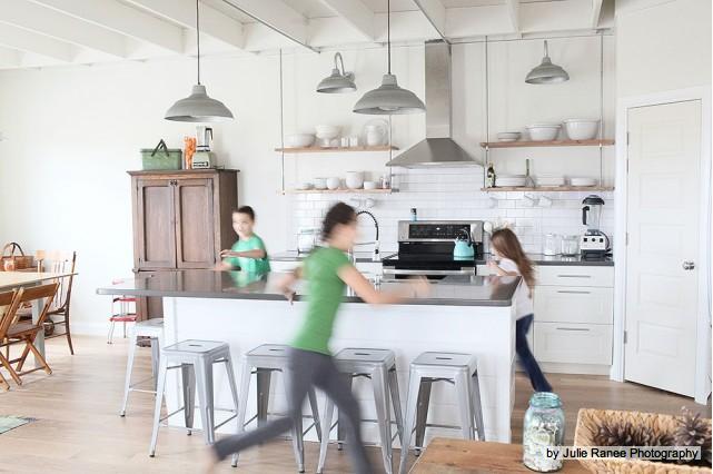 d cor de provence industrial farmhouse kitchen. Black Bedroom Furniture Sets. Home Design Ideas