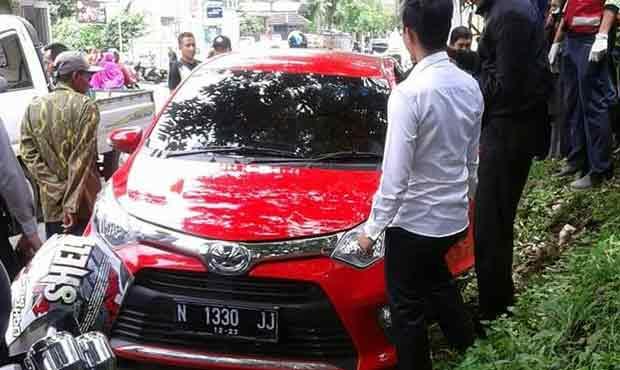 Sopir Taksi Online Warga Batu Meninggal di Dalam Toyota Calya