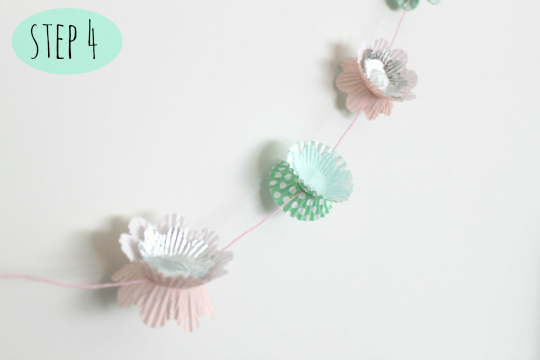 DIY cupcake liner garland tutorial