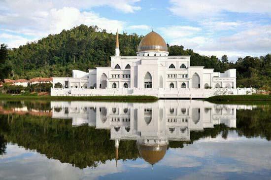 Masjid Putih UIA Kuantan