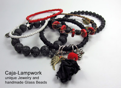 schwarz-rote Gypsy Style Armreifen