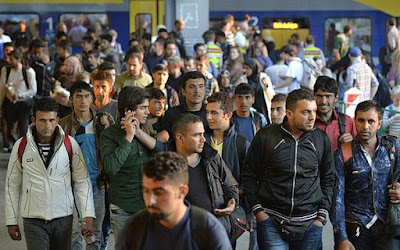 9 mil refugiados árabes foram aceitos. Você sabia disso? Isso significa terror no Brasil? Governo DILMA negocia receber mais REFUGIADOS árabes