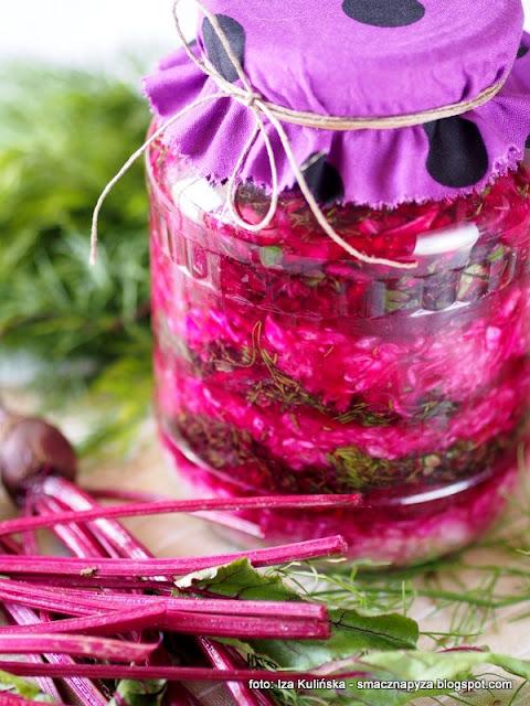 kiszonki, warzywa kiszone, surówka z kapusty kiszonej, kiszone buraki, sieje ferment, fermentacja, przetwory,