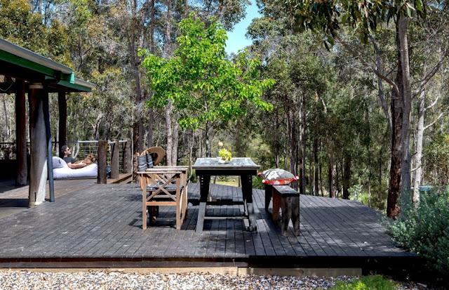 terraza exterior madera oscura
