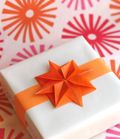 Origami paper stars for garlands or gifts | How About Orange