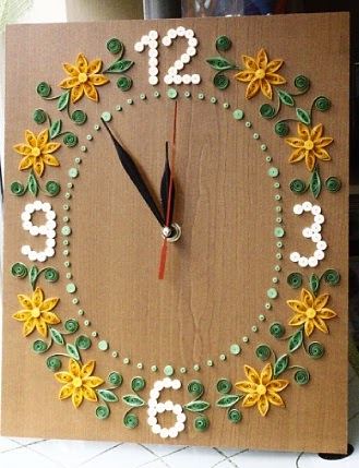 Paprvilg: quilling falira / quilled wall clock