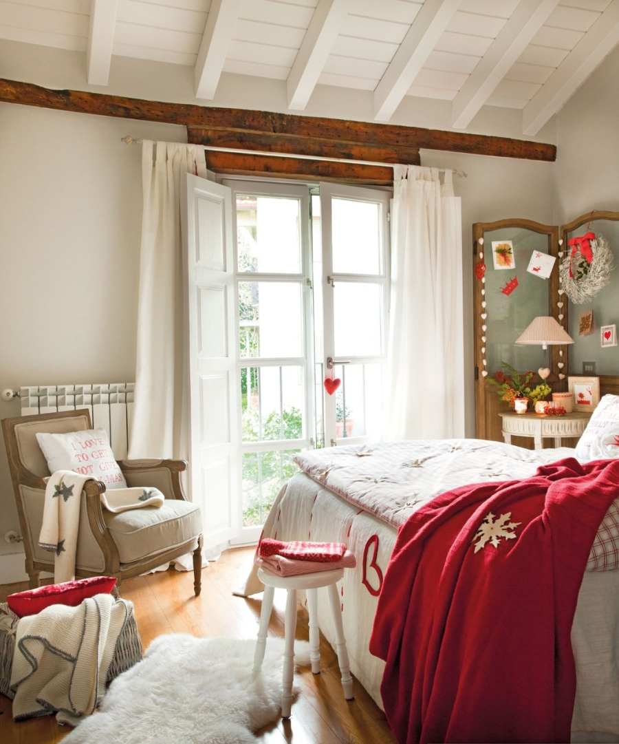 Domek w czerwonej, świątecznej aranżacji, wystrój wnętrz, wnętrza, urządzanie mieszkania, dom, home decor, dekoracje, aranżacje, Święta, Boże Narodzenie, Christmas, decorations