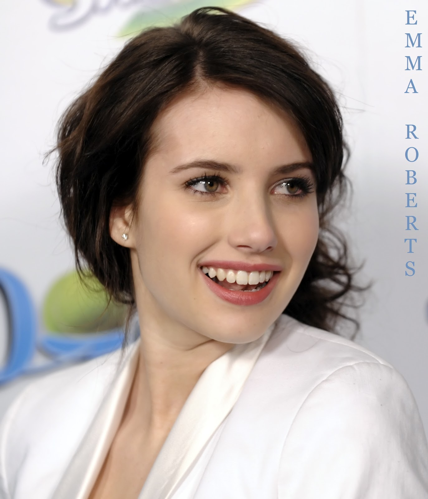 Emma Roberts Pictures Wallpapers Emma Roberts Hotels For Dogs Hd