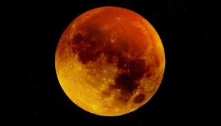 होने वाला है चंद्रमा लाल , लगने वाला है सदी का सबसे लंबा चंद्रग्रहण