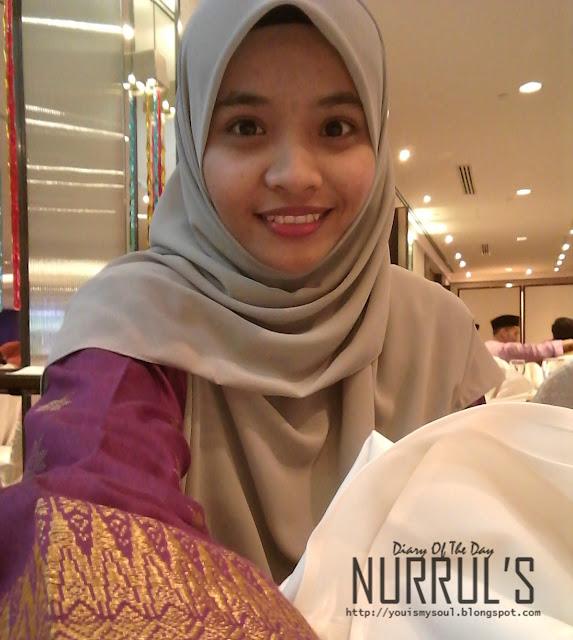 Pre-Graduation Night with Baju Kurung Songket