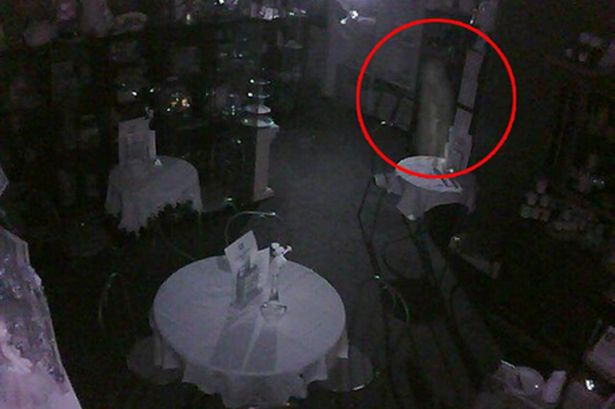 GHOST CAPTURED ON CAM IN SCOTTISH SHOP | Haunted Earth`s ... | 615 x 409 jpeg 30kB