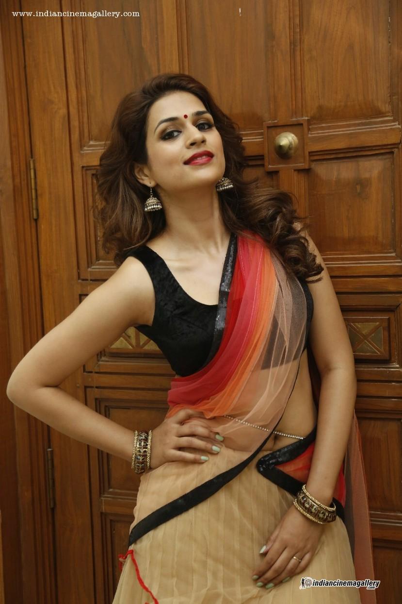 Mallufun.com: Shraddha Das