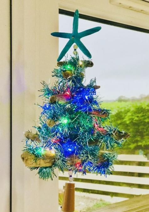 Hanging Mini Driftwood Christmas Tree
