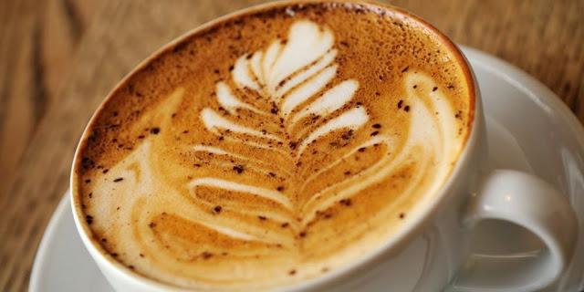 Ο καφές των Καπουτσίνων, το Ναύπλιο και η ιστορία πίσω από τον πιο φημισμένο καφέ του πλανήτη