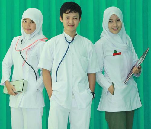 model baju dinas perawat