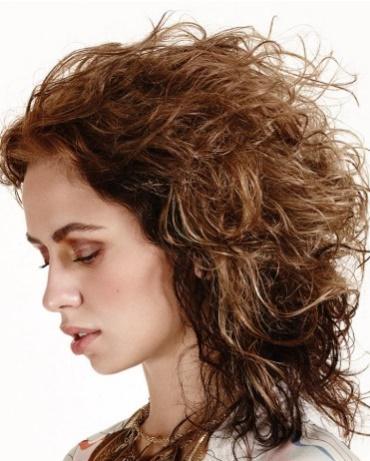 ¿Cómo puedo controlar (y reducir) el volumen de mi pelo? Vogue