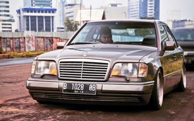 Mobil Mercedes Benz retro