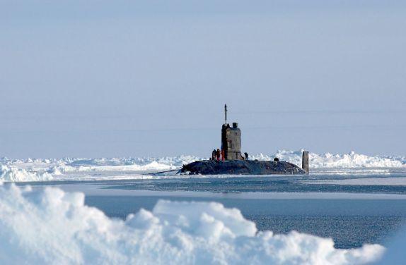 Lautan es Arktik