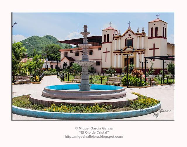 Morropón, Plaza de Armas e Iglesia de San Isidro.