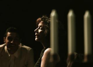"""""""Γυάλινος κόσμος"""" του Tennessee Williams, σε σκηνοθεσία Γλυκερίας Καλαϊτζή."""