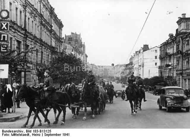 German military traffic in Kiev 26 September 1941 worldwartwo.filminspector.com