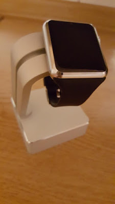 Recensione Apple Watch Stand in Alluminio iClever