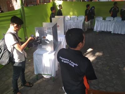 Panitia Larang Pemilih Bawa Ponsel Kamera