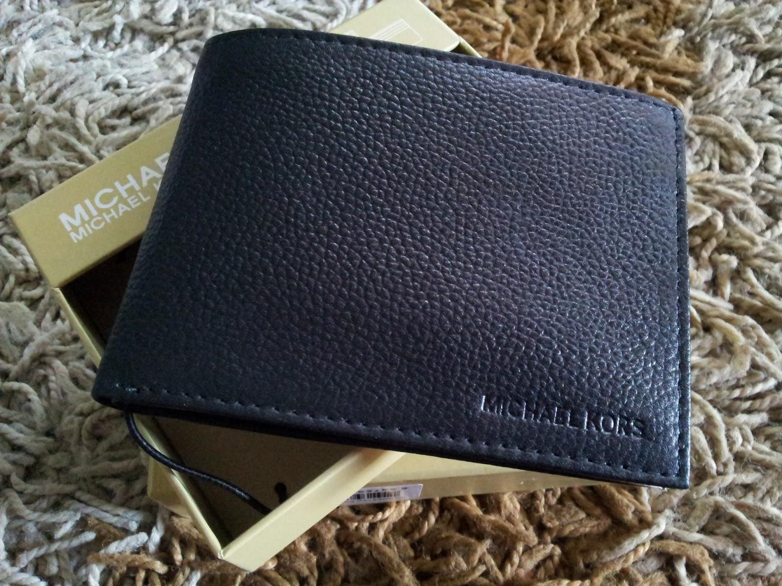 87792ec3d65d PrettyTreasure2u: Michael Kors Mens Leather Passcase Wallet Black