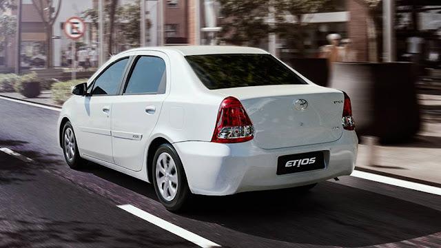 Toyota Etios 2016 Sedã White Pack