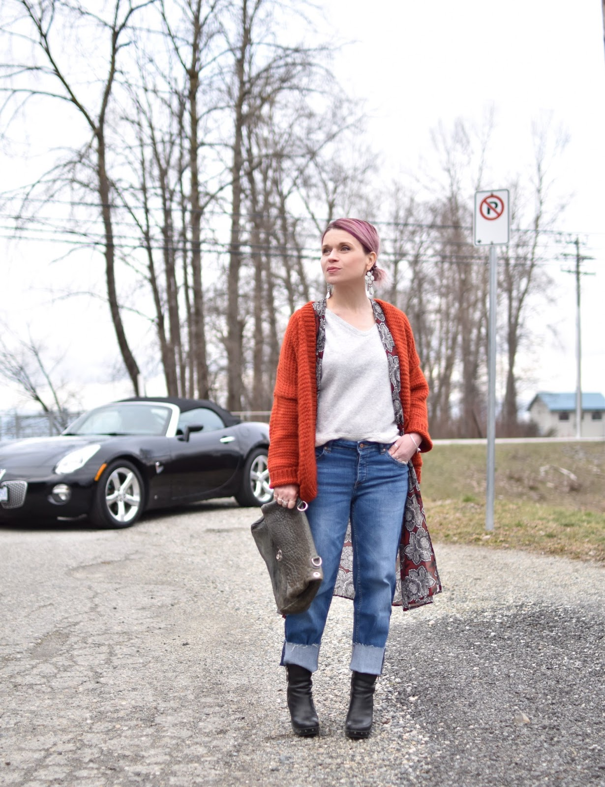 Red rider – styling boyfriend jeans with platform booties, a kimono, and a chunky cardigan