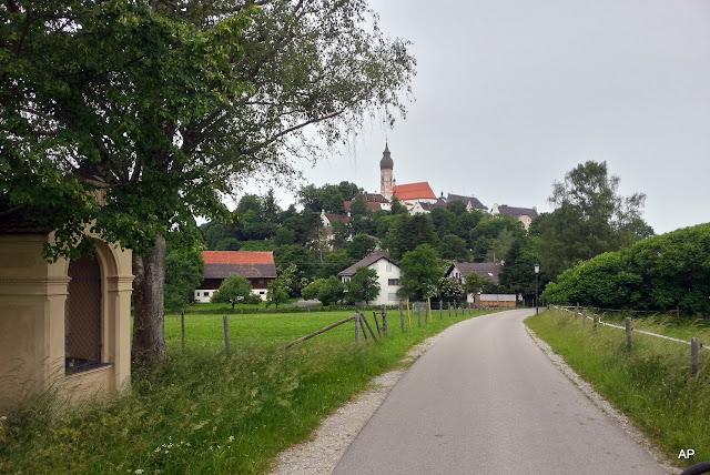 Andechs słynie z  najstarszego pielgrzymkowego kościoła w Niemczech.