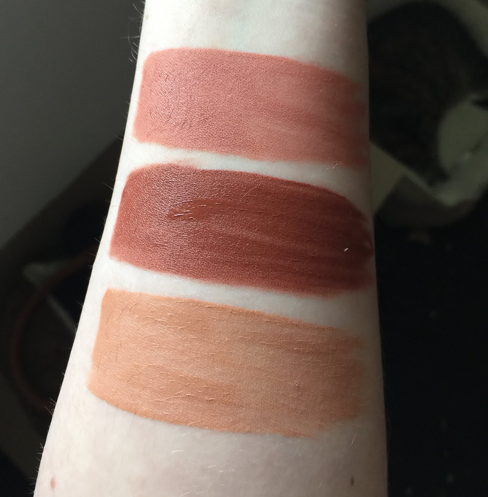 Beauty Bakerie Cosmetics Lip Whips Review w/ Swatches (Gingersnap ...