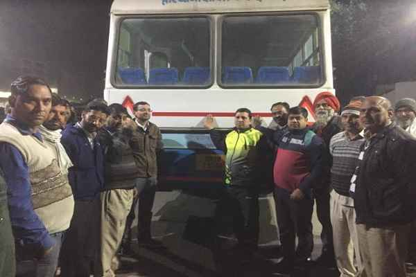 ballabhgarh-buses-vehicles-red-yellow-reflector-tape-to-save-accident