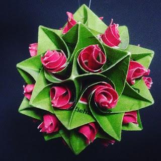 Blumenkugel aus Teebeutelverpackungen