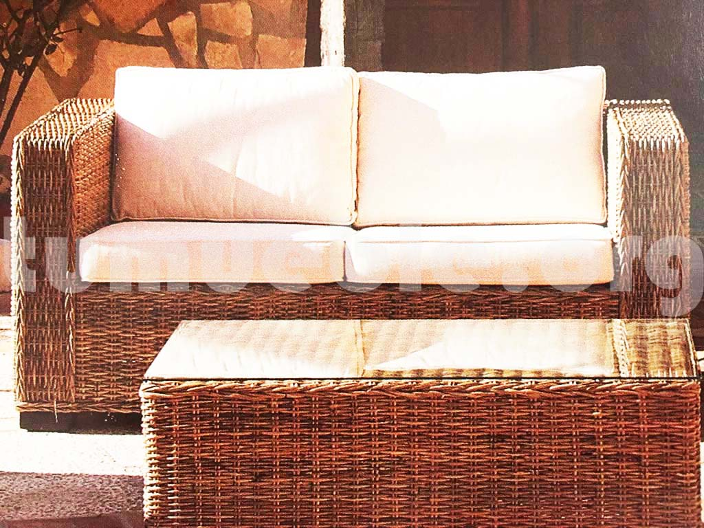 sofa hecho en rattan natural j511