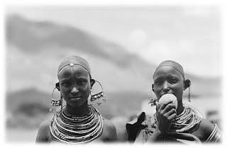 Kenyan African sisters 1920