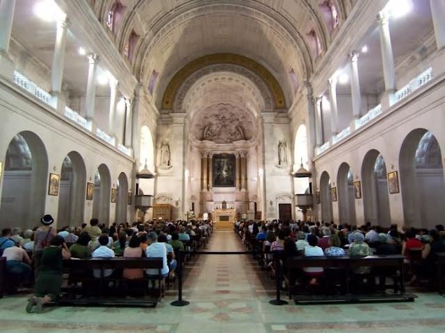 Basílica de Nossa Senhora do Rosário em Fátima