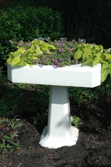 Kanelstrand Upcycled Container Gardening
