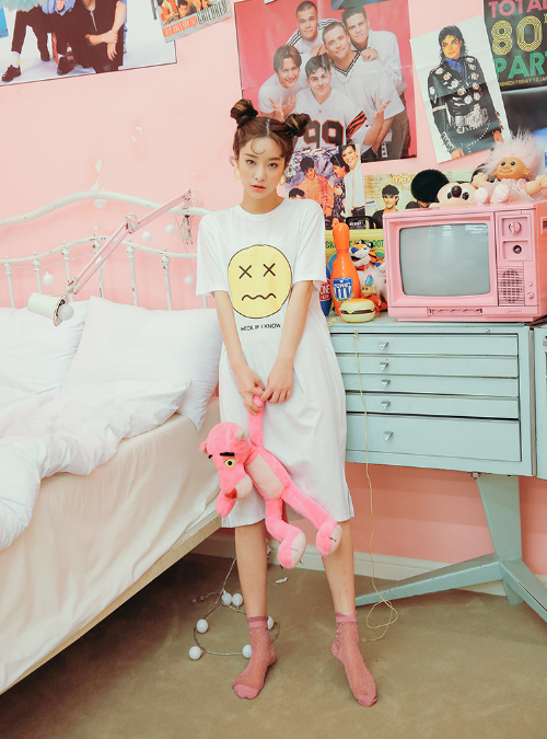 X Emoticon Print T-Shirt Dress