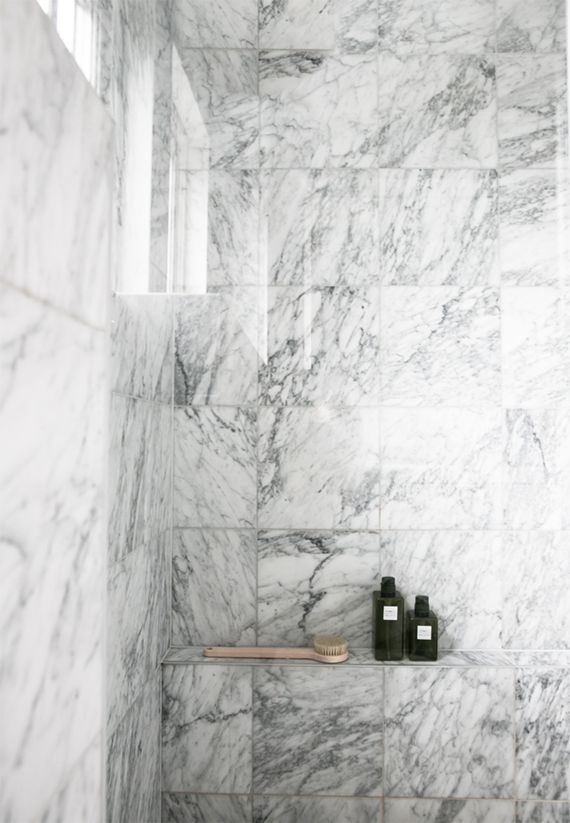 White marble showers | Annaleenas Hem