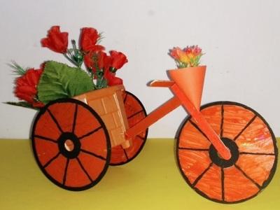 Sepeda Roda Tiga dari cakram CD/DVD dan Stick Es krim