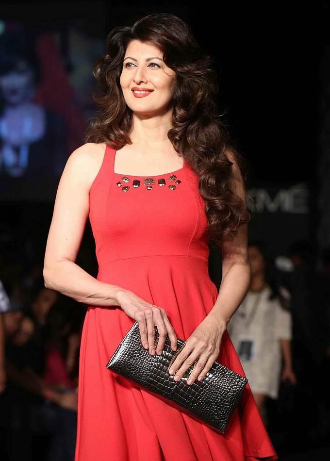 Mumbai Actress Sangeeta Bijlani In Red Dress At Lakme Fashion Week Festive
