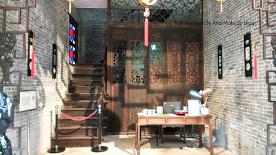 A heritage centre of Macao is Lou Kau Mansion or Casa De Lou Kau exhibits fusion of Western & Chinese architecture